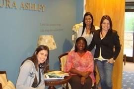 Fechamento do Contrato de Licenciamento com Laura Ashley Inc. em Fort Mill, South Carolina, em 2010. Fomos escolhidos para licenciar a grife inglesa na América do Sul.